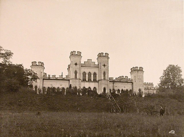 The palace between 1915 and 1918