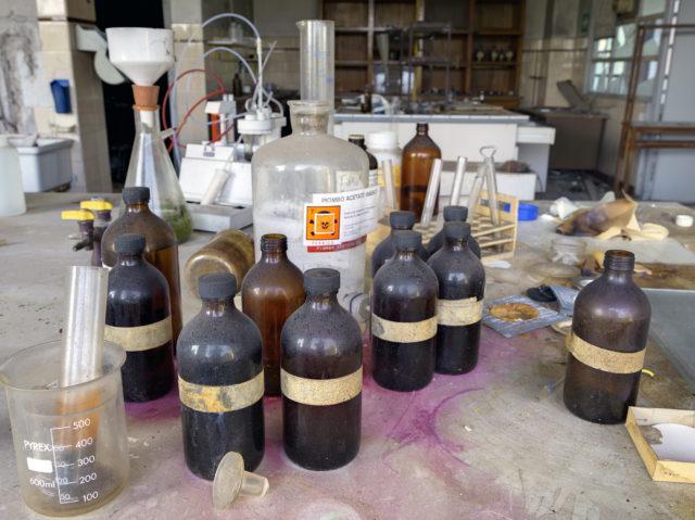 Chemistry Lab. Author: Matt Emmett | Forgotten Heritage | www.instagram.com/forgottenheritage