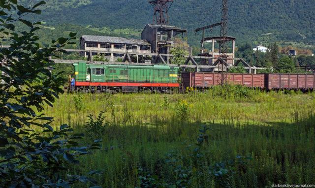 Locomotive. Author: Alexey Semochkin | Instagram @strbeak