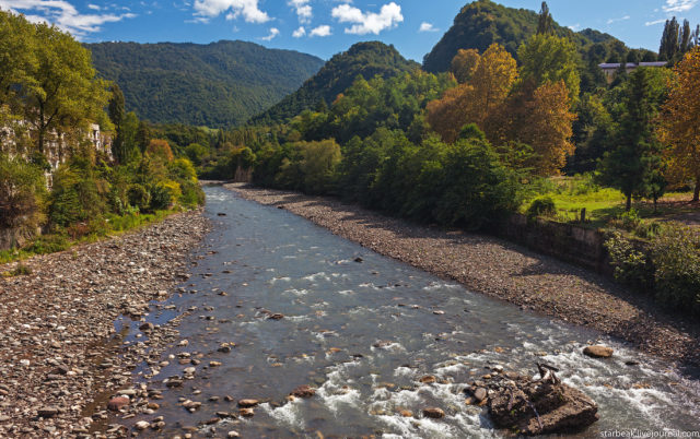 Aaldzga River. Author: Alexey Semochkin | Instagram @strbeak