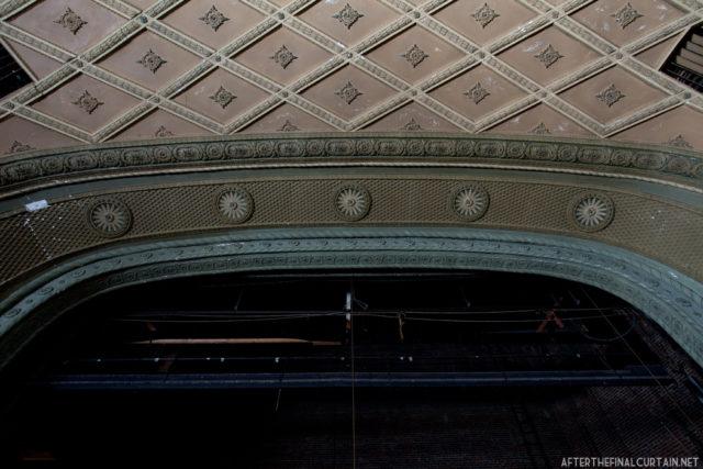 The theater's proscenium arch. Author: Matt Lambros | afterthefinalcurtain.net