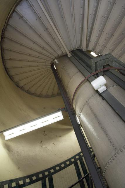 Stairwell. Author: Paul Dykes | Flickr @paulodykes