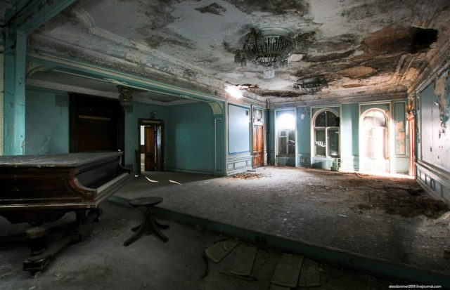 """Blue"" hall – former ballroom. Author: Alexey Grachev 