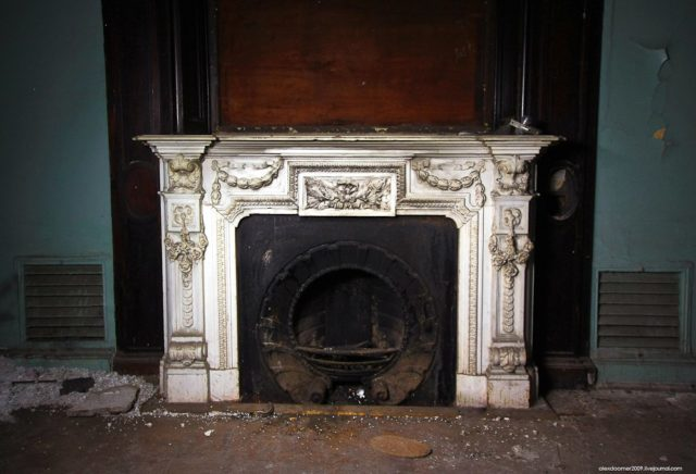 One more fireplace. Author: Alexey Grachev | LiveJournal @alexdoomer2009
