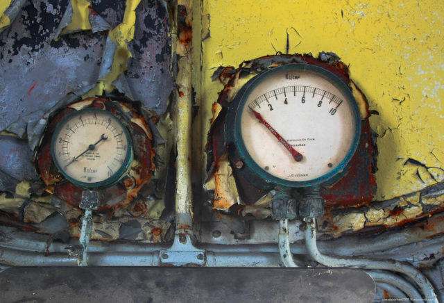 Pressure gauges in the driver's cab. Author: Alexey Grachev | LiveJournal @alexdoomer2009