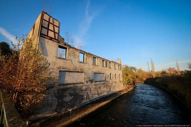Factory building. Author: Alexander | Livejournal @technolirik