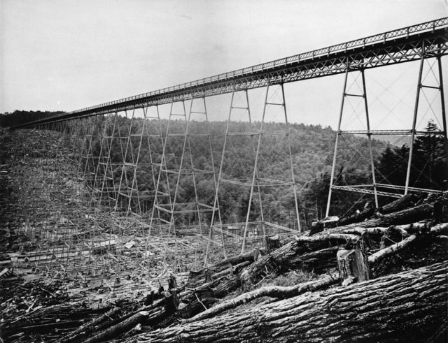 The original Kinzua Bridge, before its reconstruction in 1900. Erie Railway Company