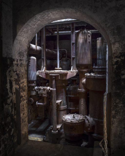 Piston machinery. Author: Matt Emmett | Facebook @ForgottenHeritagePhotography