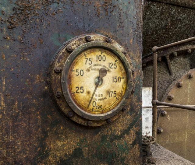 Rusty Dial angled. Author: Matt Emmett | Facebook @ForgottenHeritagePhotography