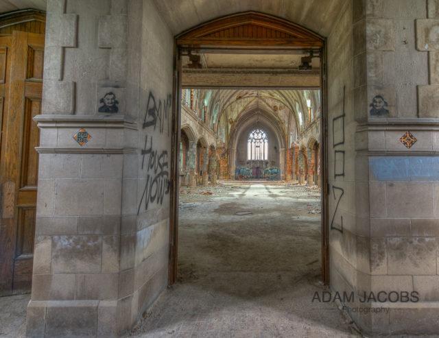 The entrance through the main double doors. Author: Adam Jacobs – AdamJacobsPhotography.com