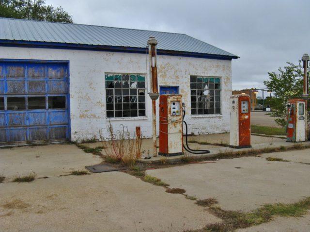 Former service station. Author: John Schrantz | Flickr @mytravelphotos