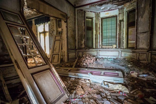 Living room. Author: Marakhovets Alexey – Instagram @alexio.marziano