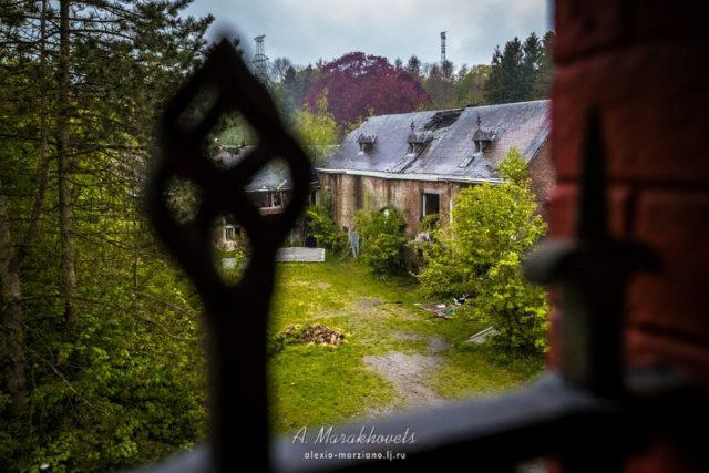 A view of the courtyard. Author: Marakhovets Alexey – Instagram @alexio.marziano