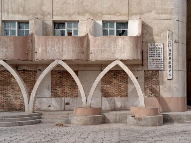 The exterior of a popular restaurant. Author: Li Yang – liyangphoto.com