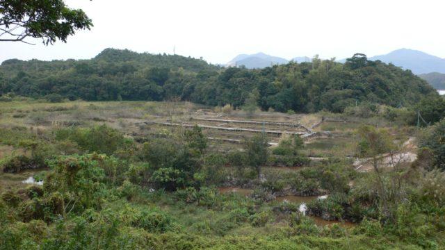 Abandoned Salt Farm in Yim Tin Tsai. Author: Isaac Wong, CC BY-SA 3.0