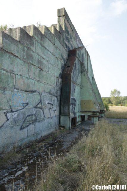 Hangar door. By CarloR – sightraider.com