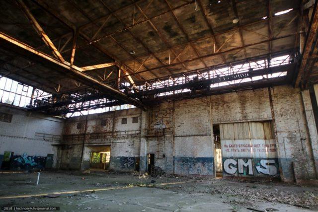 The aircraft hangar. Author: Alex Technolirik – LiveJournal @technolirik