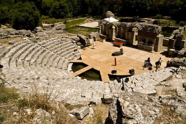 Butrint theatre. By Geoff Wong, CC BY 2.0