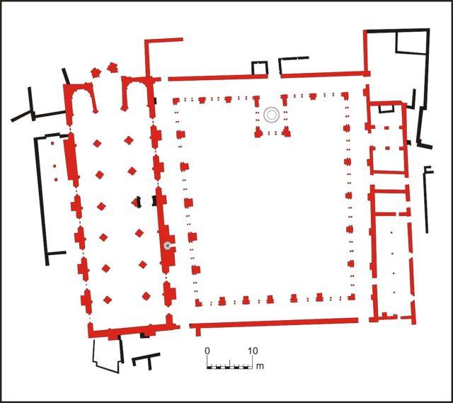Mosteiro de Santa Clara-a-Velha plan. By Paulo sande – Own work, CC BY-SA 3.0