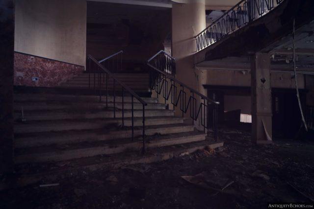 Darkened staircase within the Nevele Grand Resort